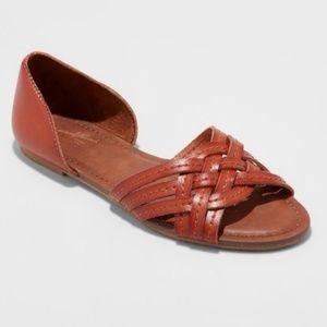 Universal Thread cognac leather sandals sz 7& 8.5
